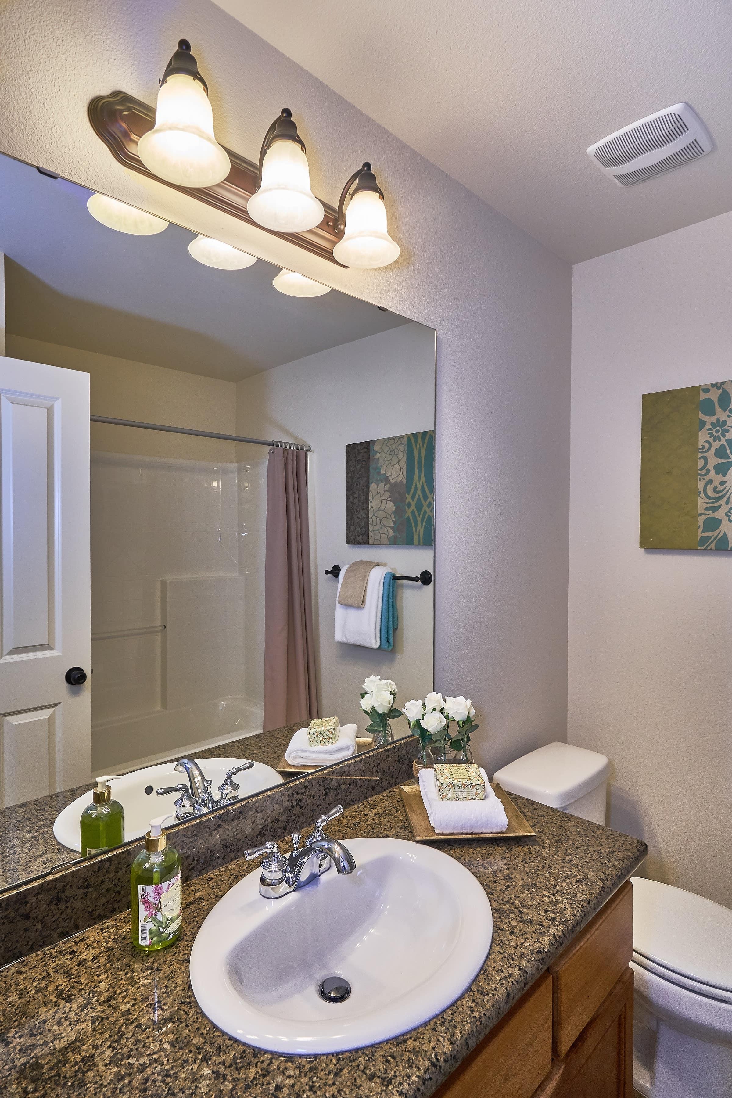 015_Upstirs Bathroom