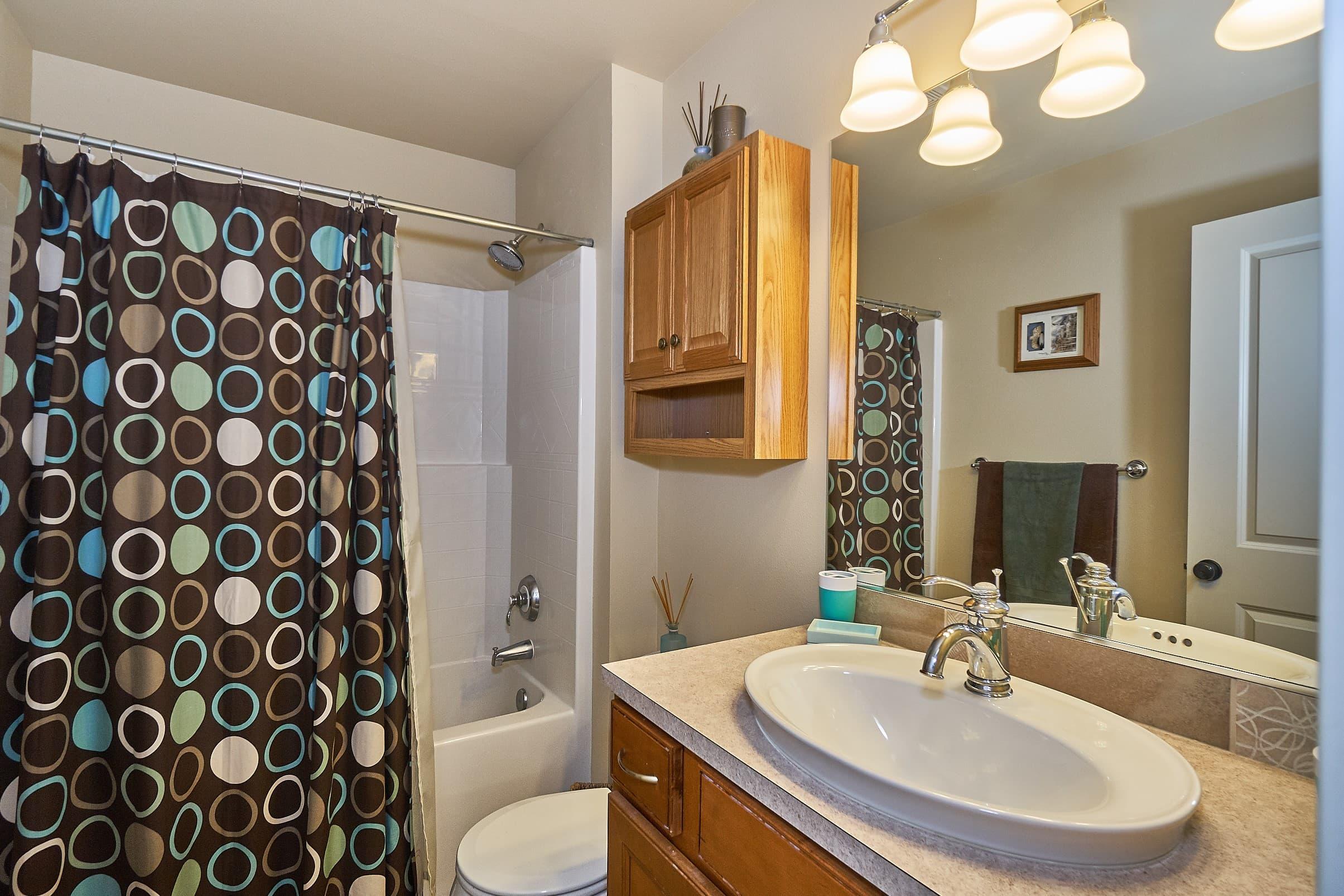 023_Upstairs Bathroom