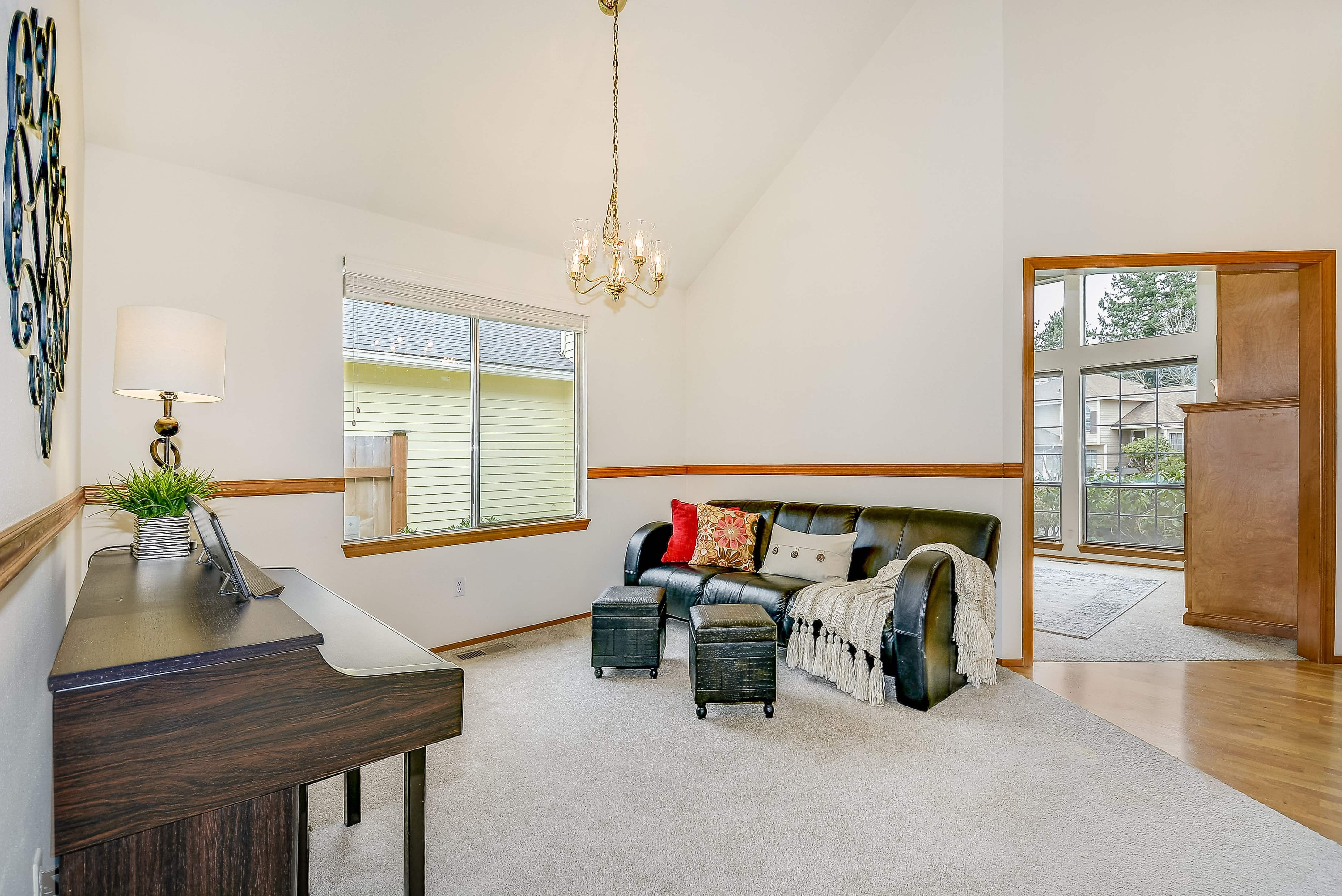 007_Formal Living Room