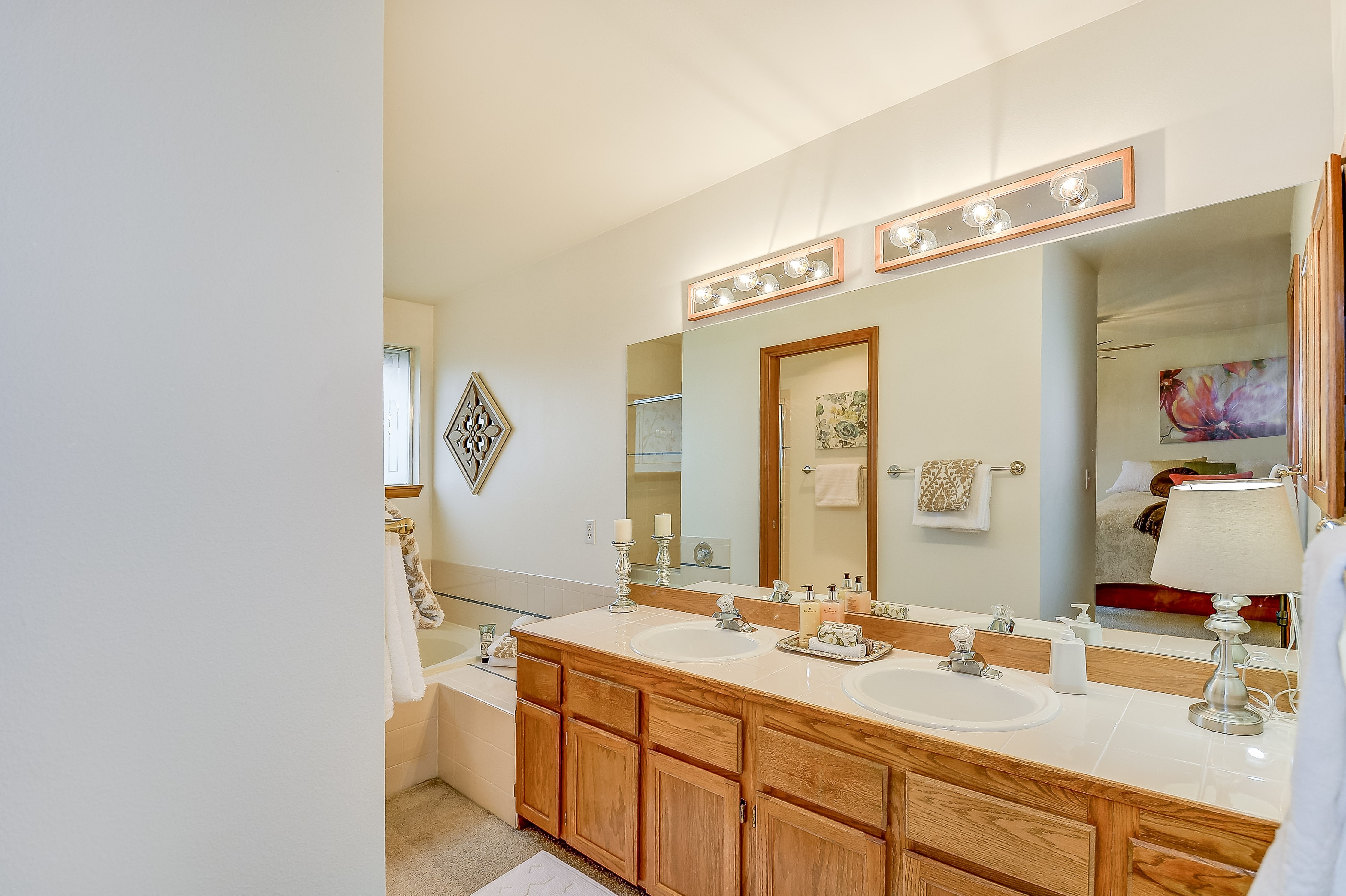 019_Master Bath Room